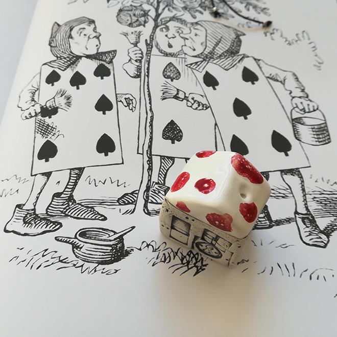 Book Club Di Luglio La Casetta Di Alice Nel Paese Delle Meraviglie